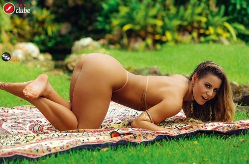 Aricia Silva mostra que est� ainda mais gostosa