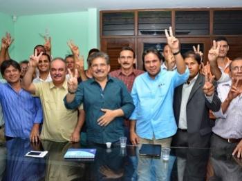 PT do B e PSL anunciam apoio a Adriano Galdino, em Campina Grande