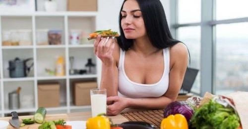 Confira a lista de 5 alimentos que você deve comer todo dia