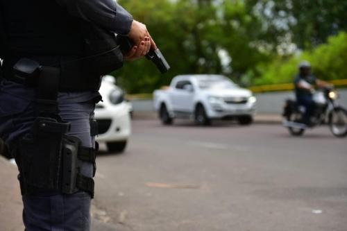 Três pessoas são feridas durante tiroteio em JP