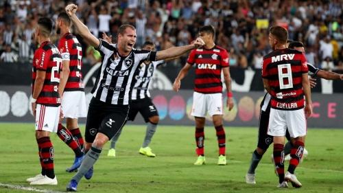 Botafogo bate o Fla e deixa rival ainda mais longe da luta pelo título