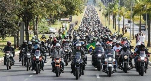 Pelo menos 300 mil motos participarão da motociata com Bolsonaro em São Paulo