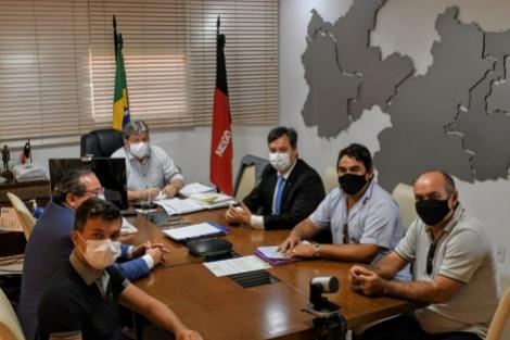 Prefeito do PSDB declara apoio à reeleição do governador João Azevêdo