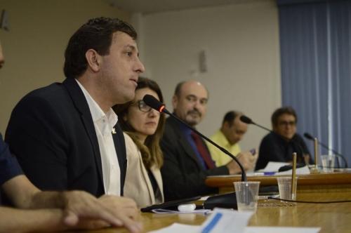 Gervásio denuncia descumprimento de lei da meia entrada para estudantes em coletivos