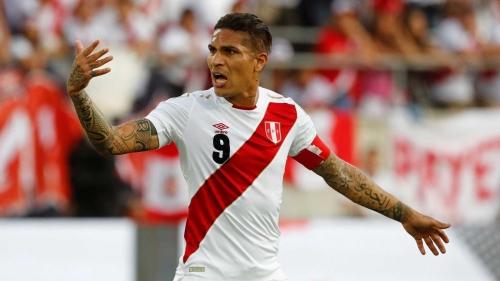 Peru de Guerrero pega Dinamarca após 36 anos sem Copa