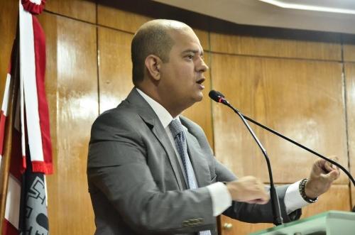 Após cobrança de Bruno Farias, PMJP reajusta o salário mínimo dos servidores