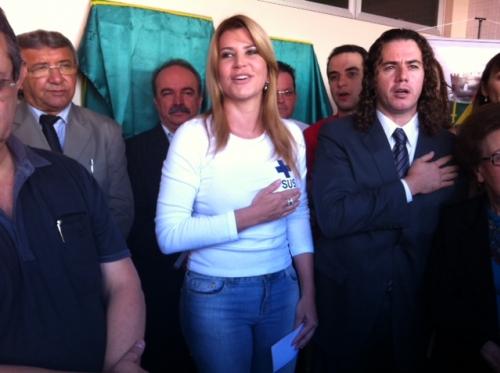 Musa de Veneziano pode atrapalhar projeto político de Ana Cláudia
