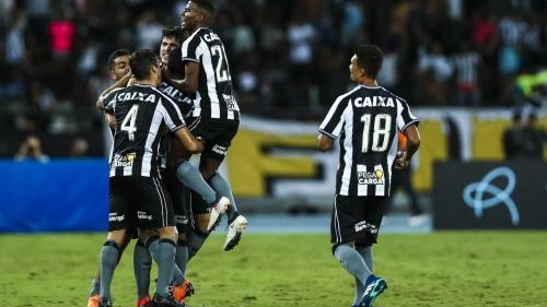 Botafogo vence Nacional-PAR e pega o Bahia na Sul-Americana