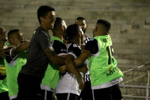 Botafogo vence o Campinense no primeiro jogo da final