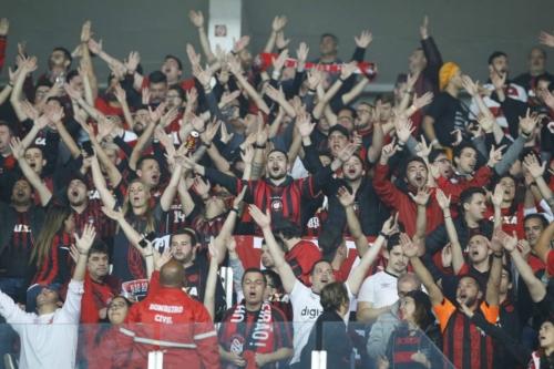 Athletico vence Inter no Beira-Rio e é campeão da Copa do Brasil