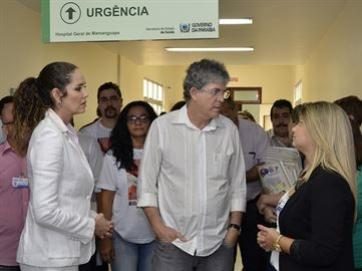 Ricardo Coutinho entrega galp�o e Centro de Cirurgias