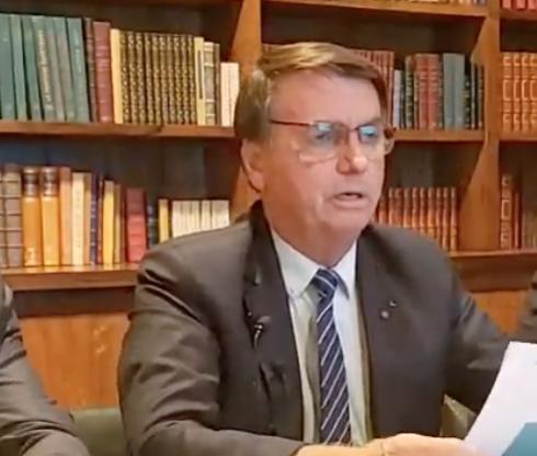 Fiocruz entregará 18 milhões de vacinas até o final de abril, diz o presidente Bolsonaro