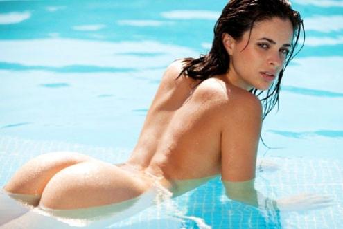 A bela Thunane Marcelino, de Joinville, faz ensaio para site
