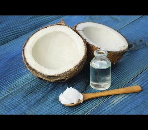 Óleo de coco é tão ruim quanto banha ou manteiga, diz estudo