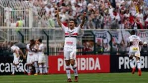 Everton marca e São Paulo vence Flamengo na volta do Brasileiro
