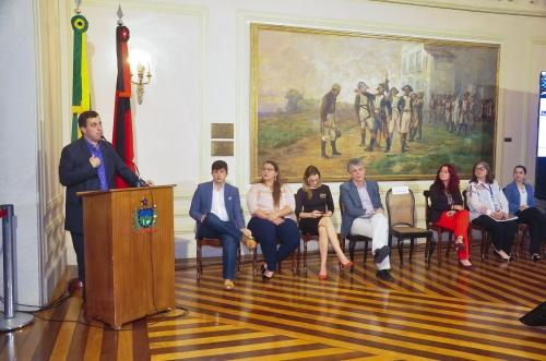 Gervásio destaca convênios para preservar Centro Histórico da Capital