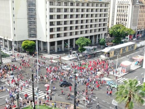 ESQUERDA VOLTA A PASSAR VERGONHA: passeata pró Lula foi um grande fiasco