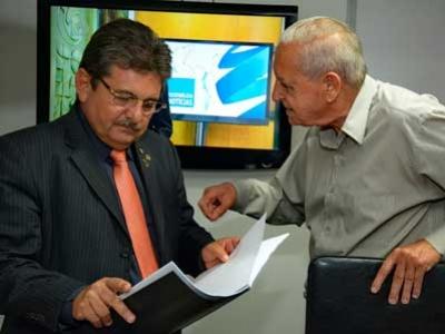 Galdino recebe entidades e confirma nova sede da ALPB