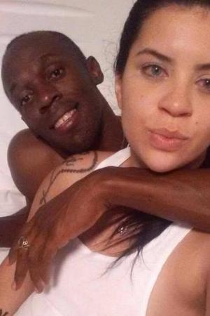 Estudante divulga foto com Bolt em motel