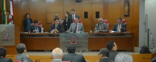 Câmara vai celebrar dia do Policial Civil, do Maçom e entregar título a Lula