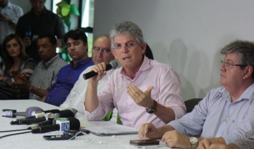 """Ricardo desabafa: """"se fossem eles, deixariam para acabar o racionamento às vésperas das eleições"""""""