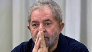 Delator entrega à Justiça provas de que OAS beneficiou Lula em tríplex