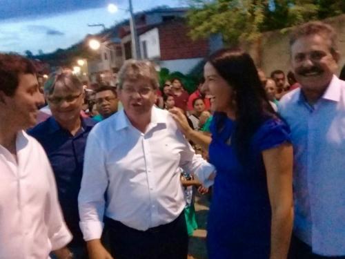Em Borborema, João Azevêdo prestigia São João e une situação e oposição