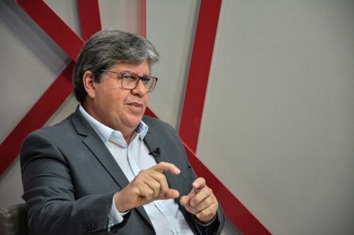 João Azevedo diz que movimento da Polícia Militar tem conotação política