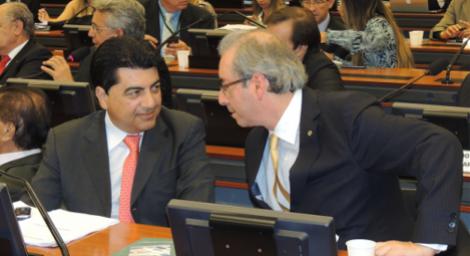 Manoel J�nior, de defensor de Cunha a locutor de Cartaxo