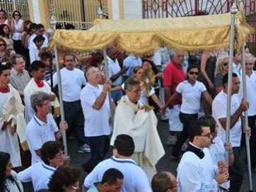 Corpus Christi: celebra��o tem in�cio na Igreja de Lourdes
