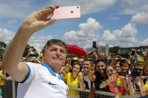 QUER REABERTURA: Bolsonaro diz que não pode ampliar socorro a estados