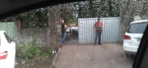 ATÉ ÀS SEIS DA MATINA: Granja próxima ao Estação das Artes abriga pancadão, drogas e aglomeração de jovens